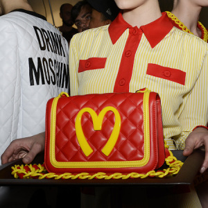 moschino-macdonalds-bag