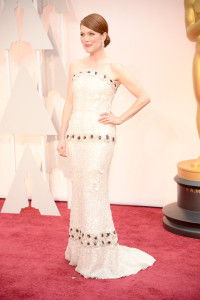 julianne-moore-oscars-red-carpet-2015