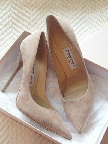 summer essentials_classic pumps